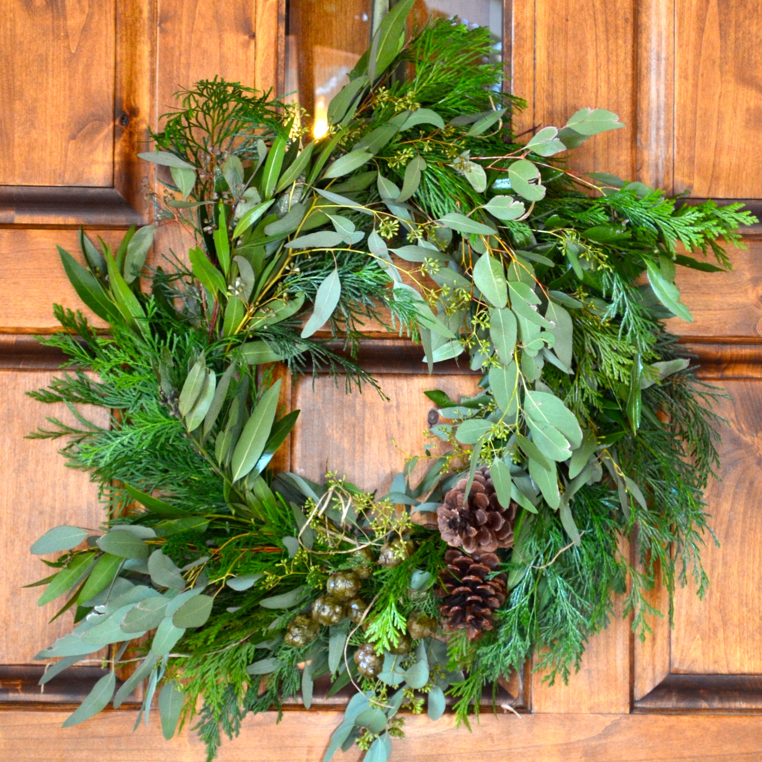 learn howto make your own christmas wreath diy tutorial with former supermodel nancy hunter corbett