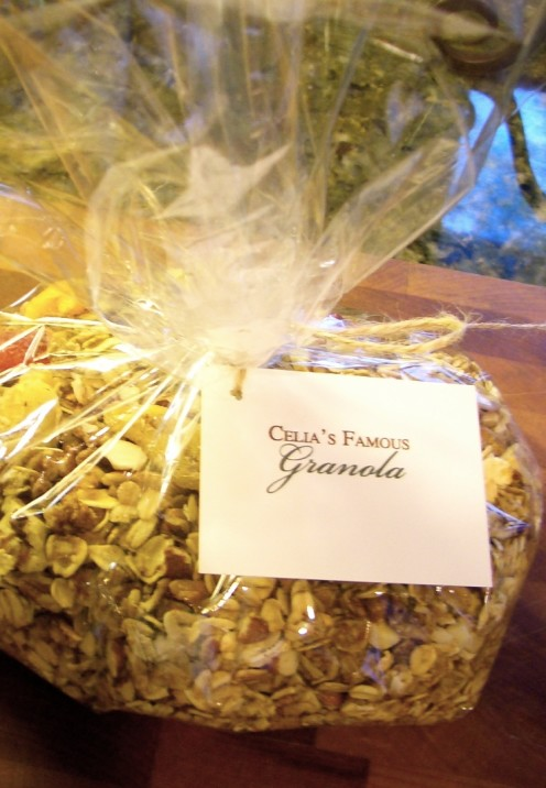 THE VERY BEST HOMEMADE GRANOLA RECIPE | www.AfterOrangeCounty.com