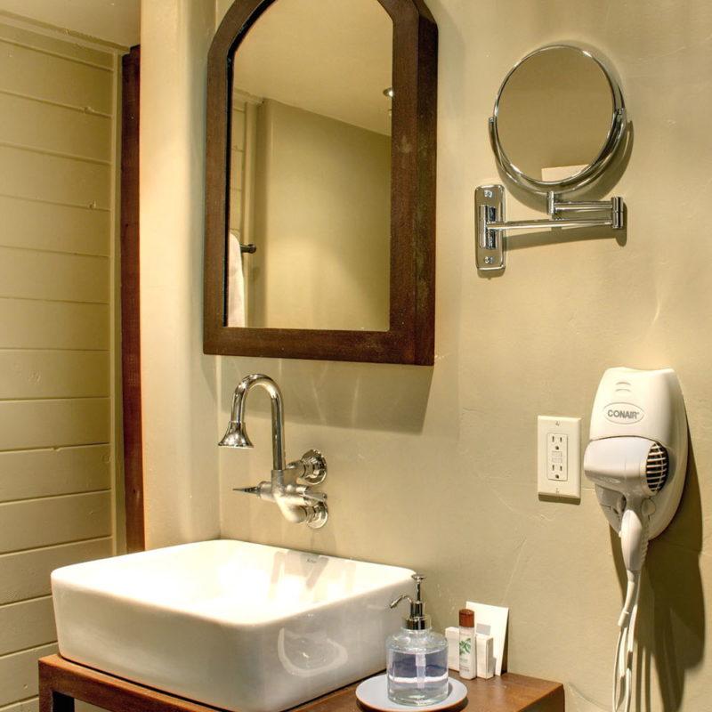 Bathroom vanity faucets