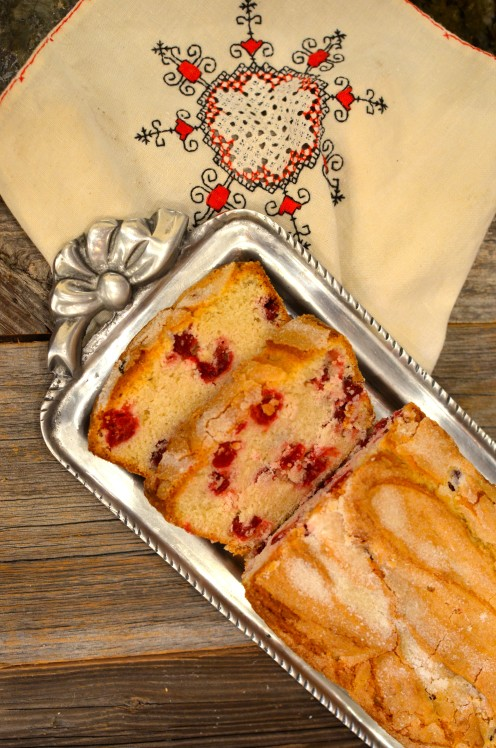 CRANBERRY BREAD | Recipe @ www.AfterOrangeCounty.com | The OC Housewife Who Ran for the Hills