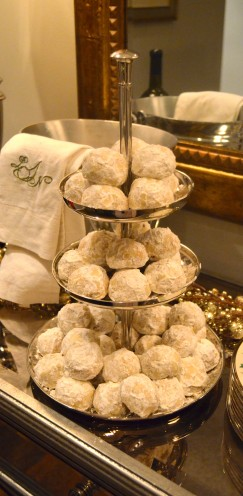 MY FAVORITE CHRISTMAS COOKIE RECIPE | PECAN SNOWBALLS | Recipe @ www.AfterOrangeCounty.com