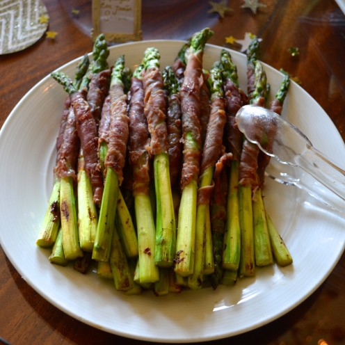 HOW TO HOST A VERY IMPRESSIVE #COCKTAIL #PARTY | Asparagus wrapped in Proscuitto | www.AfterOrangeCounty.com