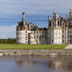 CHAMPAGNE COCKTAIL ANYONE? How to host a beautiful Bubbly Bar   www.AfterOrangeCounty.com   #Champagne   #Chateau de Chambord   #France