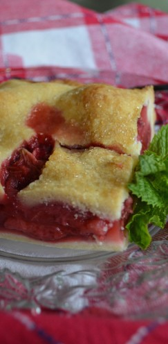 FRESH STRAWBERRY SLAB PIE RECIPE | #Strawberry #Pie | www.AfterOrangeCounty.com