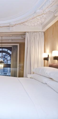 THE CITY CLUB HOTEL NYC | A REVIEW | #CityClubHotel #NYC | www.AfterOrangeCounty.com