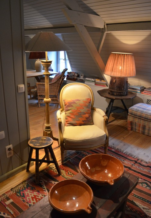 THE MOST CHARMING HOUSE IN BRUGGE | Belgium | White Rooms Apartment Dijver | www.AfterOrangeCounty.com