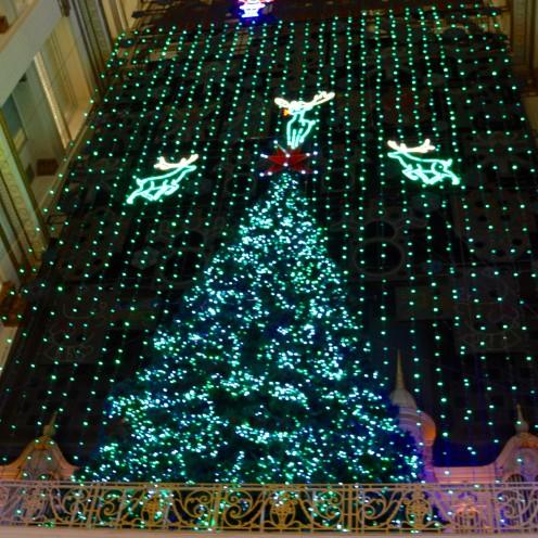 A POSTCARD FROM PHILADELPHIA | Holiday Light Show at Macy's | www.AfterOrangeCounty.com