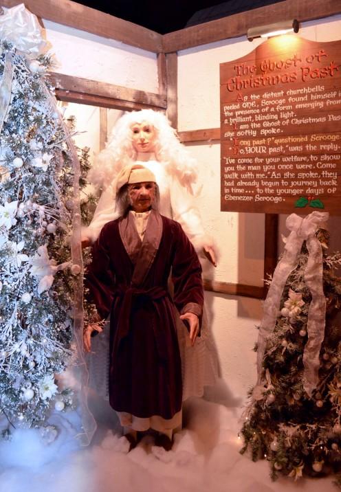 SEASONS GREETINGS from Philly|Macy's A Christmas Carol | www.AfterOrangeCounty.com