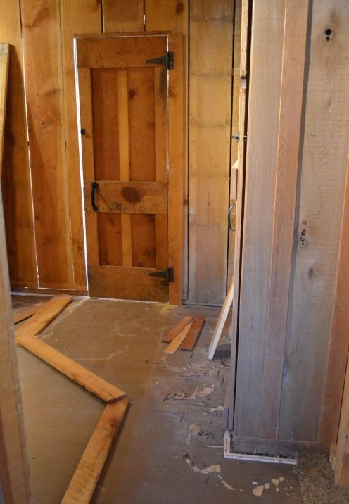 MY LOG CABIN MASTER BEDROOM RENOVATION | The BEFORE | www.AfterOrangeCounty.com