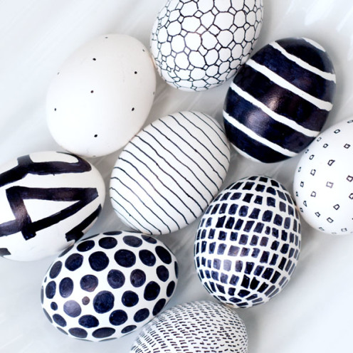 20 TERRIFIC IDEAS FOR DECORATING EASTER EGGS | From Obviously Sweet |www.AfterOrangeCounty.com