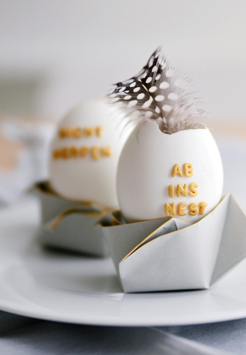 20 TERRIFIC IDEAS FOR DECORATING EASTER EGGS | From Meaningful Noise |www.AfterOrangeCounty.com