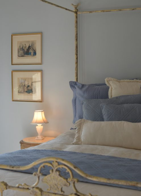 HOW TO DESIGN A COMFORTABLE GUEST BEDROOM | www.AfterOrangeCounty.com