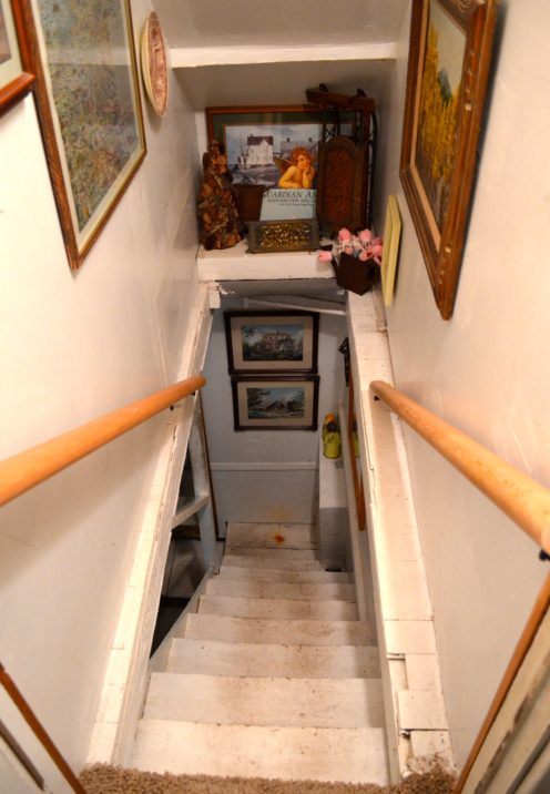 THE HOUSE ON COTTAGE GROVE RENO UPDATE | Mountain Cottage Staircase Renovation | www.AfterOrangeCounty.com