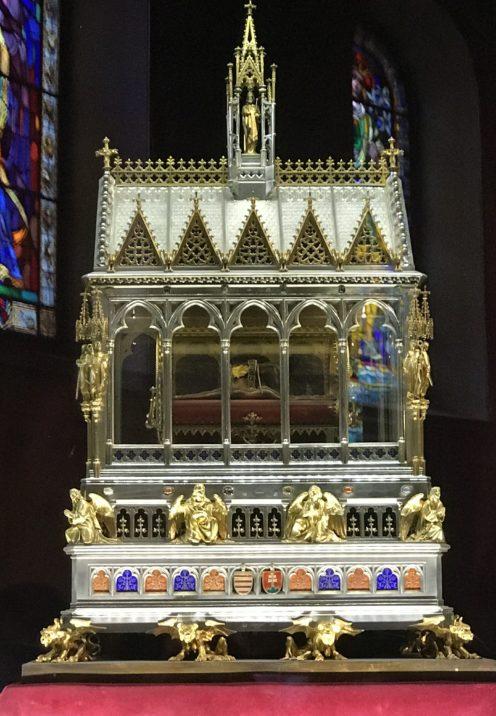 EXPLORING ENCHANTING BUDAPEST | St. István's Basilica | www.AfterOrangeCounty.com
