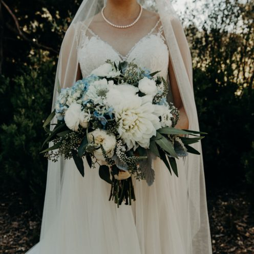 AMAZING DIY WEDDING FLOWERS ON A BUDGET | www.AfterOrangeCounty.com