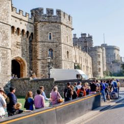 A VISIT TO ENCHANTING WINDSOR CASTLE | Castle Entrance | www.AfterOrangeCounty.com