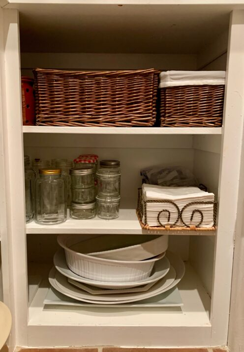 SMART IDEAS AND TIPS FOR ORGANIZING YOUR KITCHEN PANTRY | Lined Shelf Baskets | www.AfterOrangeCounty.com | #Pantry #Kitchen #HomeOrganization