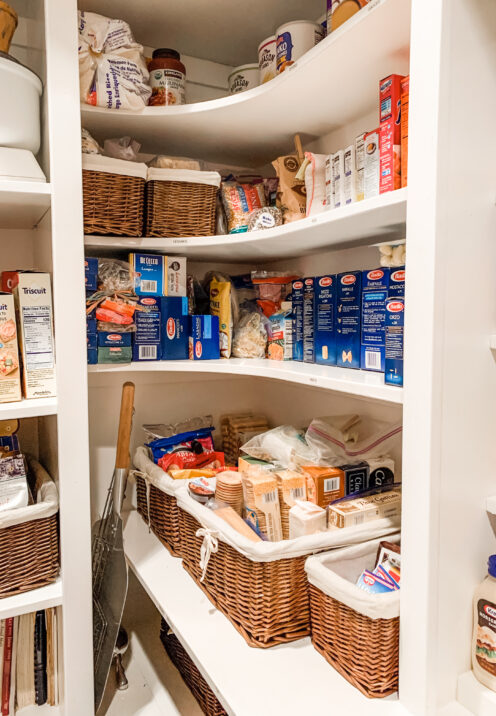 SMART IDEAS AND TIPS FOR ORGANIZING YOUR KITCHEN PANTRY | www.AfterOrangeCounty.com | #Pantry #Kitchen #HomeOrganization